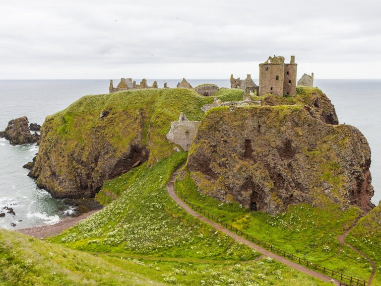 Aberdeen to Edinburgh Private Tour/Transfer - Dunnottar Castle