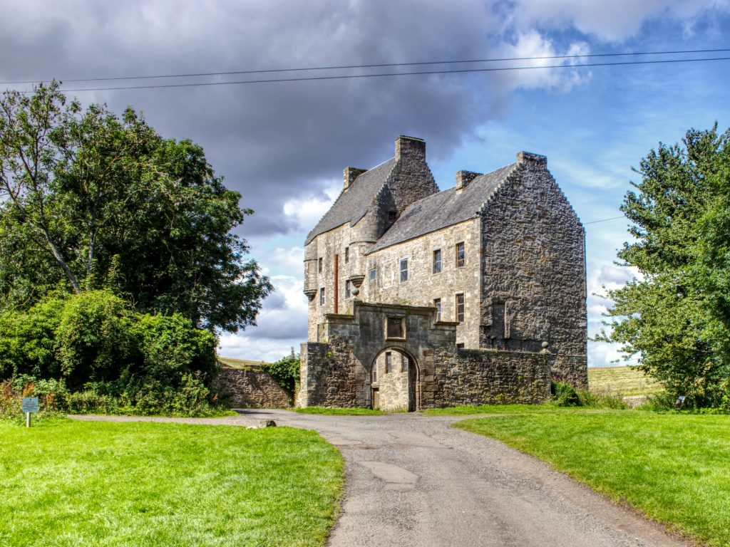 Outlander Tours from Stirling - Midhope Castle