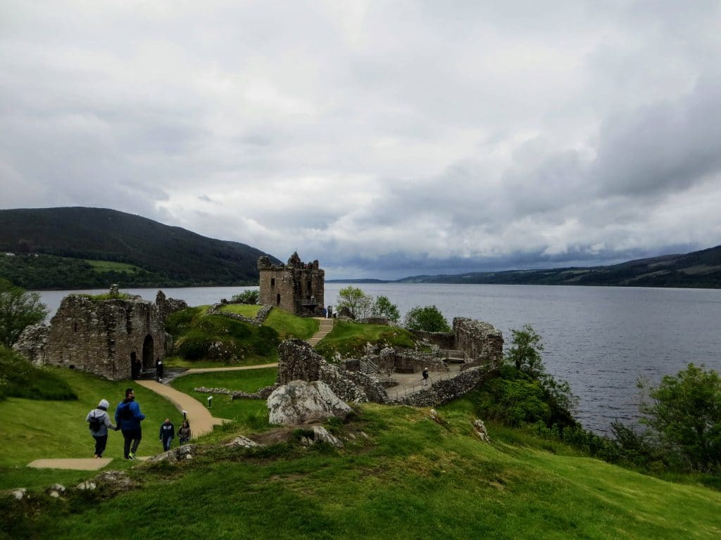 Glasgow to Inverness Tour Transfer - Urquhart Castle