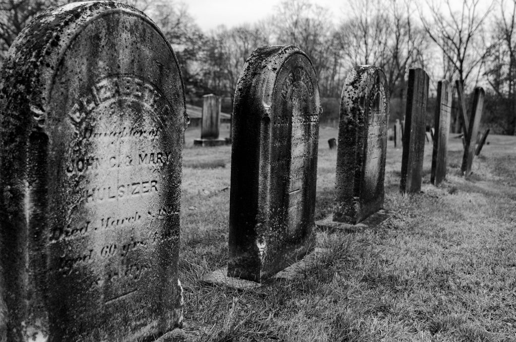Family-friendly Tours Scotland - Graveyard