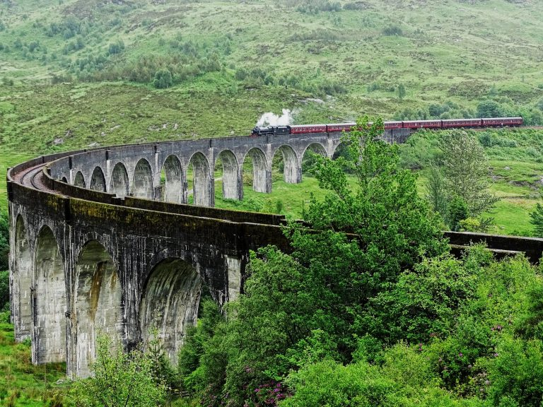 Outlander Tours with guide - Glenfinnan Viaduct