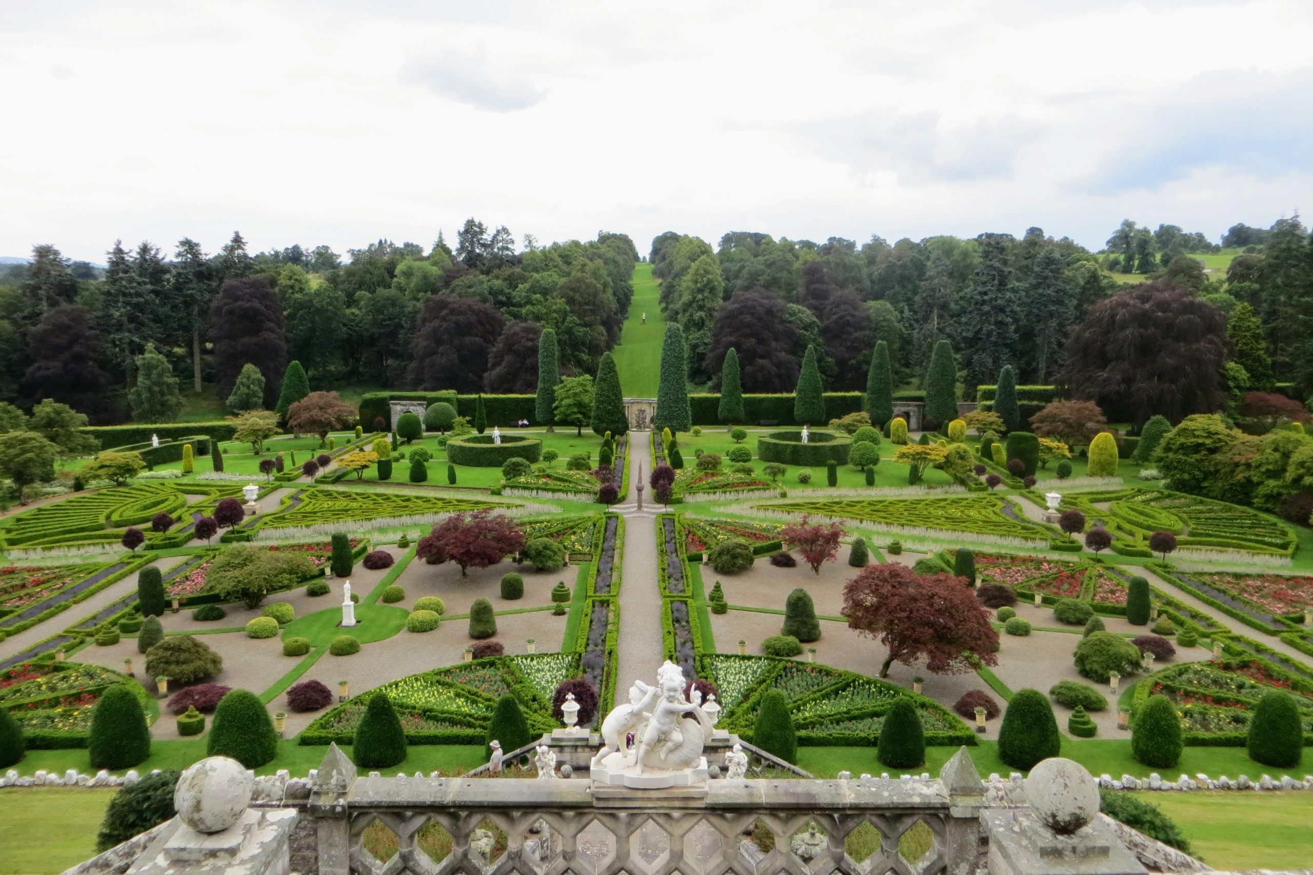One-day Tours of Scotland - Drummond Castle Gardens
