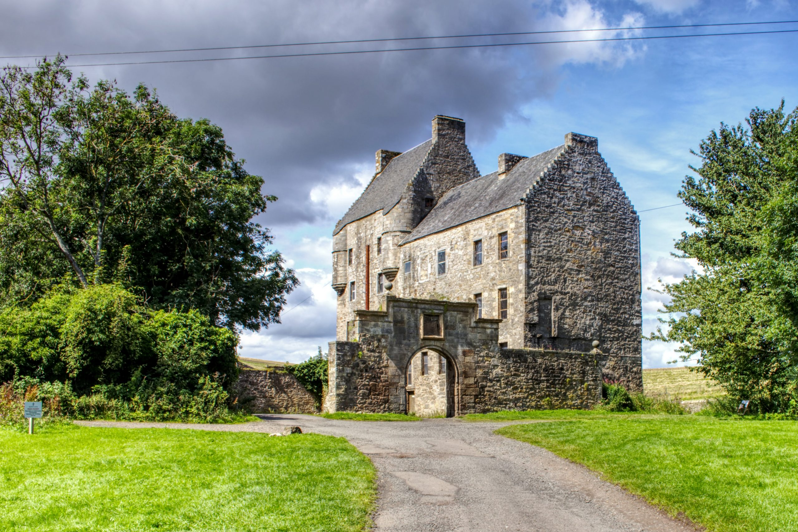 Outlander Tours with guide - Midhope Castle