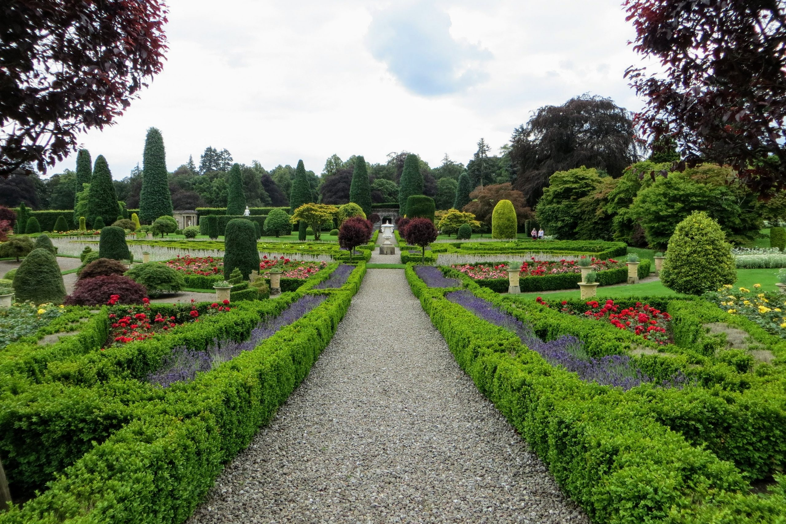 Themed Tours of Scotland - Drummond Castle Gardens